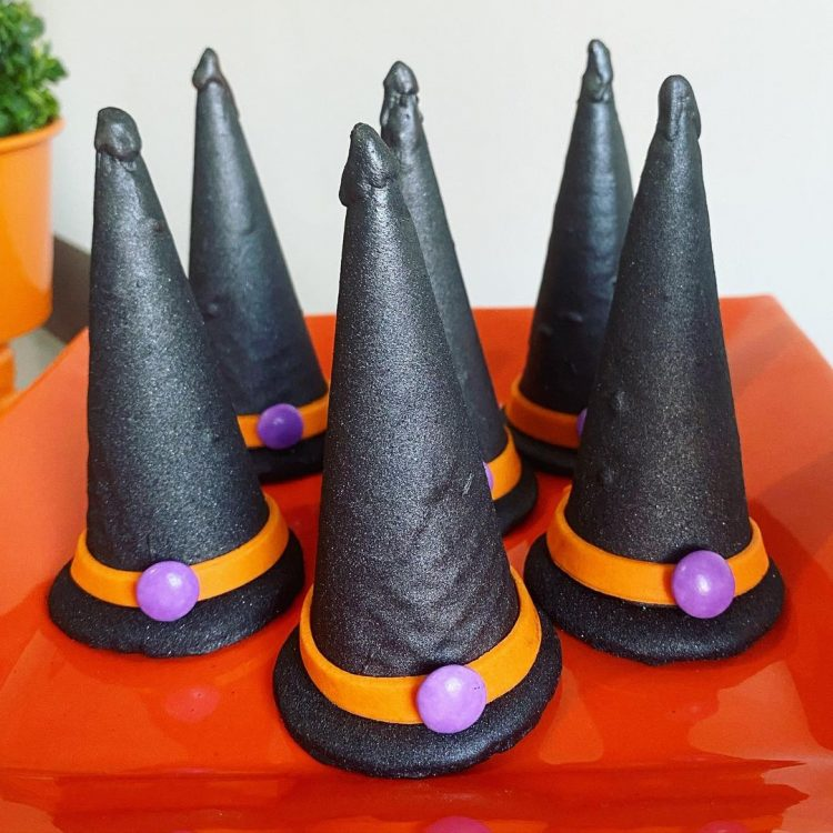 cone-trufado-chapeu-de-bruxa-@catiandradedoceria