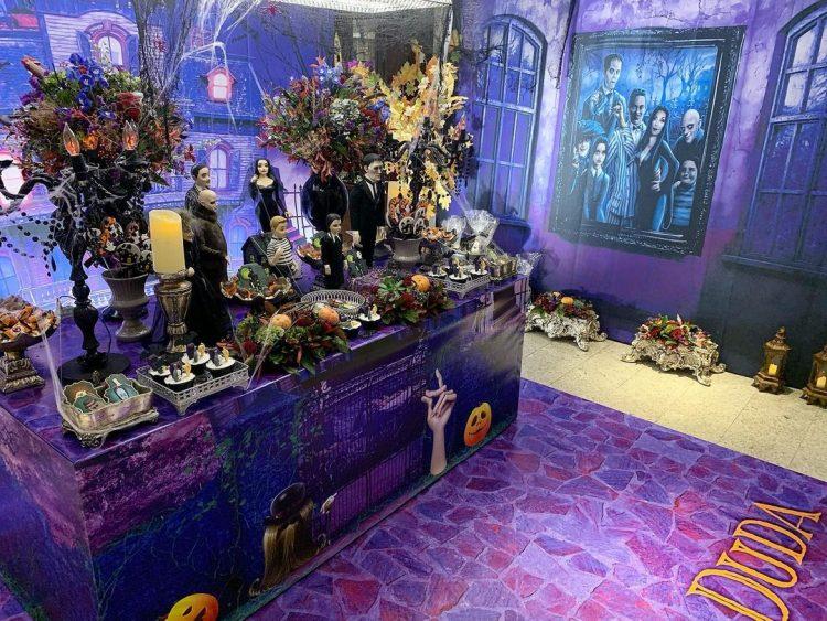 decoracao-de-halloween-familia-adams