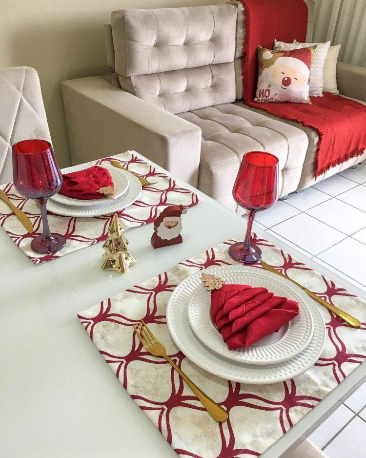 mesa posta com amor