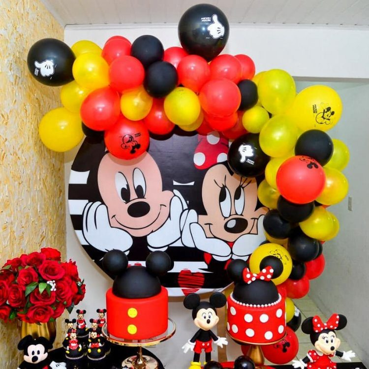 decoração mickey e minnie para mesversario