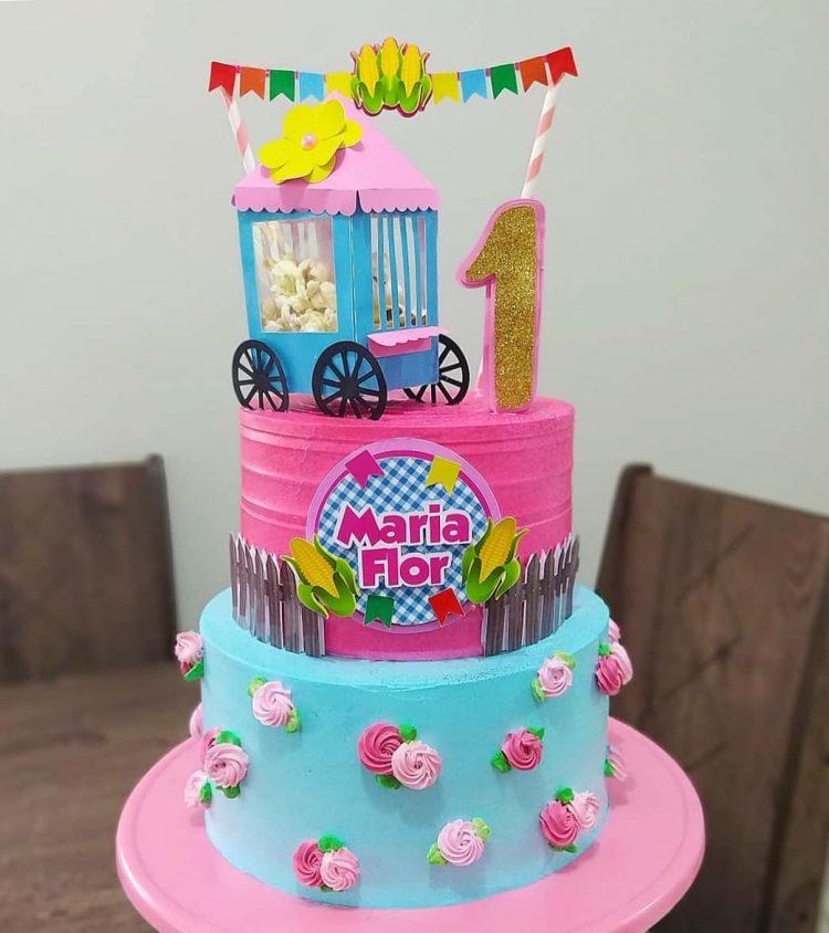 bolo-festa-junina-rosa