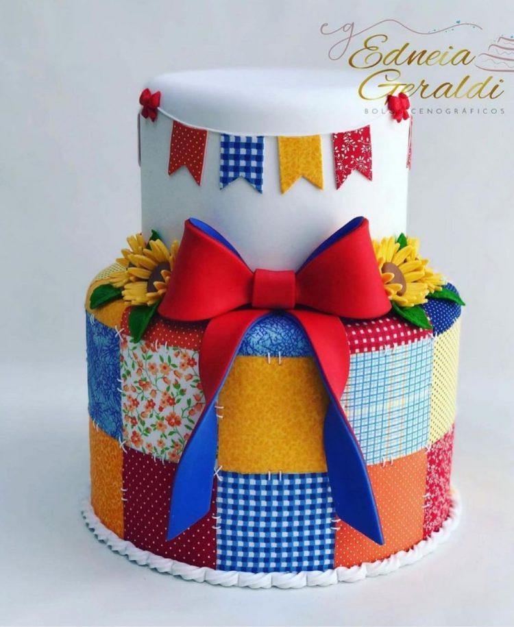 bolo-para-festa-junina-com-girassol