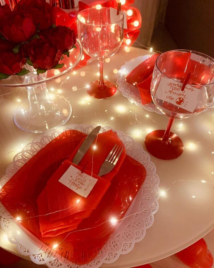 mesa-posta-para-jantar-romantico