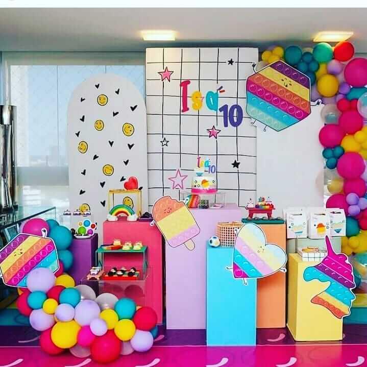 decoracao-de-festa-no-tema-fidget-toys