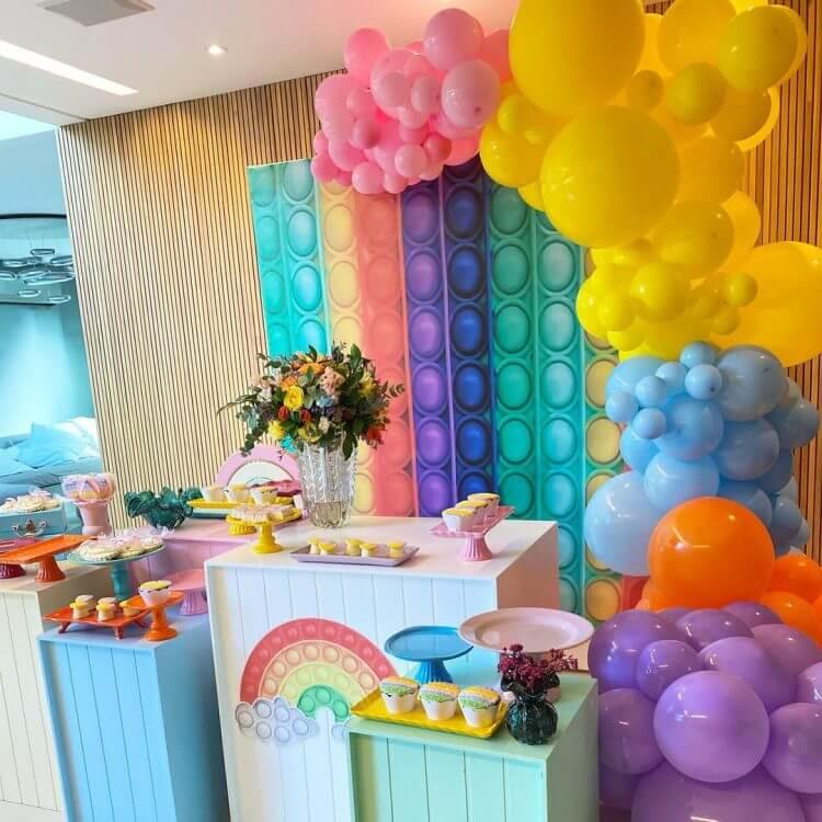 decoração-de-festa-tema-fidget-toys